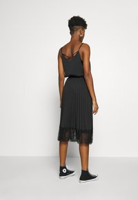 Vila - VIMOON MIDI SKIRT FULL - A-line skirt - black - 2