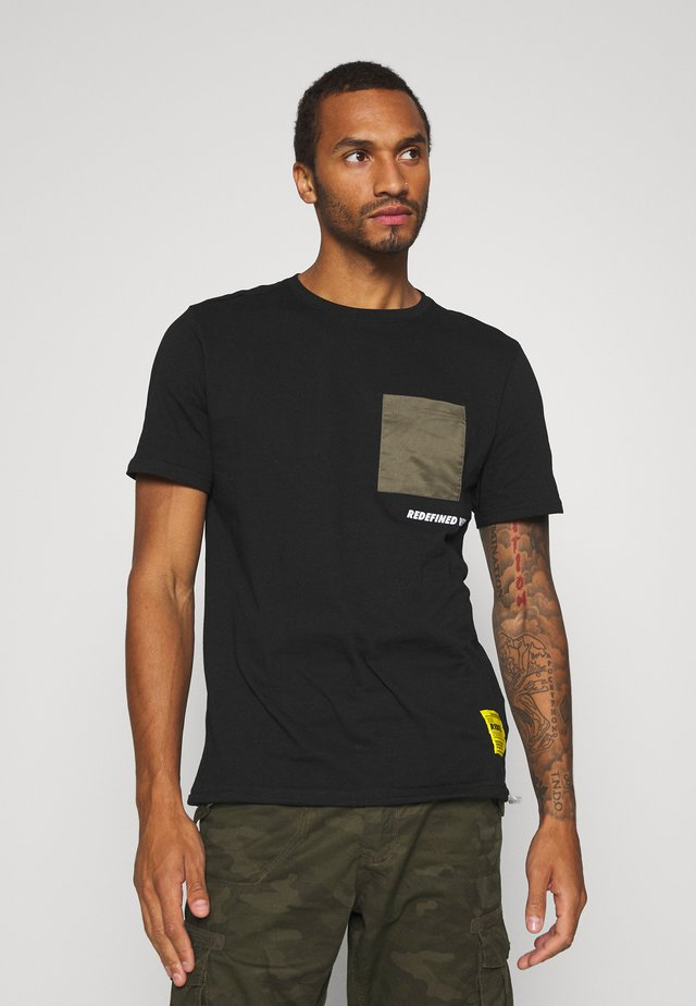PAX TEE - T-shirt imprimé - black