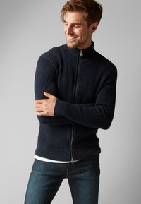 Marc O'Polo - Zip-up hoodie - dark blue - 0