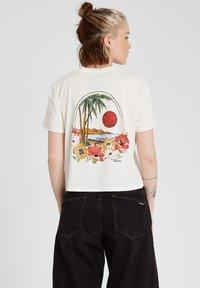 Volcom - POCKET DIAL TEE - Print T-shirt - star_white - 1
