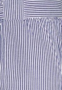 ONLY Petite - ONLSMILLA STRIPE BELT - Shorts - medium blue/white - 2