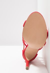 Bullboxer - High heeled sandals - light red - 6