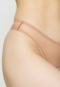 Agent Provocateur - LUCKY BRAZILIAN THONG - String - cacao - 4