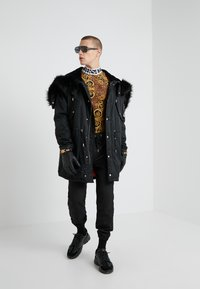 Versace Jeans Couture - MAGLIETTE  - Långärmad tröja - gold - 1