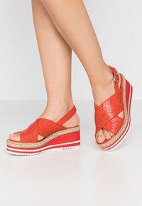 Pons Quintana - Platform sandals - coral - 0