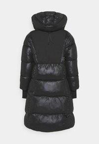 Didriksons - ANDREA WOMENS - Zimní kabát - black - 1