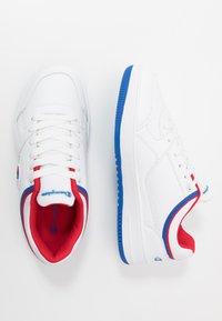 Champion - LOW CUT SHOE REBOUND UNISEX - Basketballschuh - white/red - 0