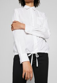 Marc O'Polo - BLOUSE LONG SLEEVEED TIE DETAIL AT HEM POCKET - Button-down blouse - white - 5