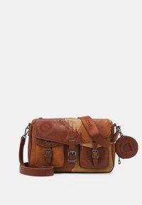 Desigual - BOLS PARKER LIVERPOOL - Across body bag - camel - 0