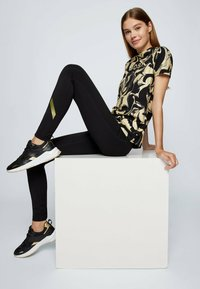 BOSS - C ELOGO GOLD ZAL - Print T-shirt - patterned - 3