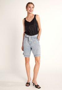 comma - Denim shorts - light blue - 1