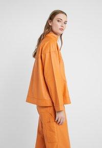 CLOSED - THEKLA - Leather jacket - mango - 3