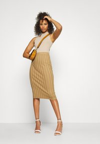 Missguided Tall - TEXTURED CUT OUT BACK - Top - taupe - 1