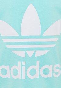 adidas Originals - TREFOIL UNISEX - Triko spotiskem - clear aqua/white - 2