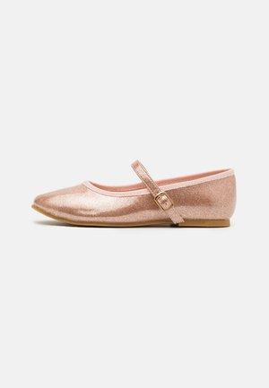 Ballerina's met enkelbandjes - rose gold