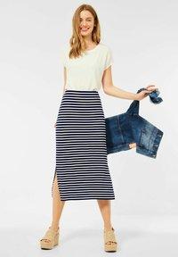 Street One - MIT STREIFEN - Pencil skirt - blau - 1