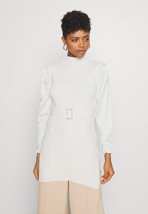 HYBRID LONGLINE - Pletené šaty - ivory