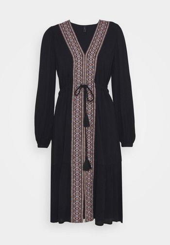 YASTARA DRESS