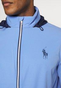Polo Ralph Lauren Golf - HOOD ANORAK JACKET - Sportovní bunda - blue mist - 7