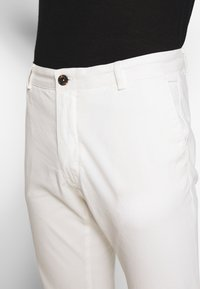 Tiger of Sweden - TRANSIT - Chino - pure white - 3