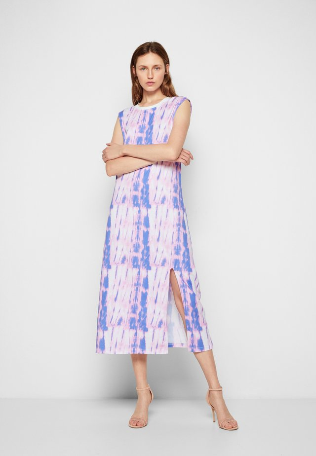 ELMIRA - Žerzejové šaty - tie dye