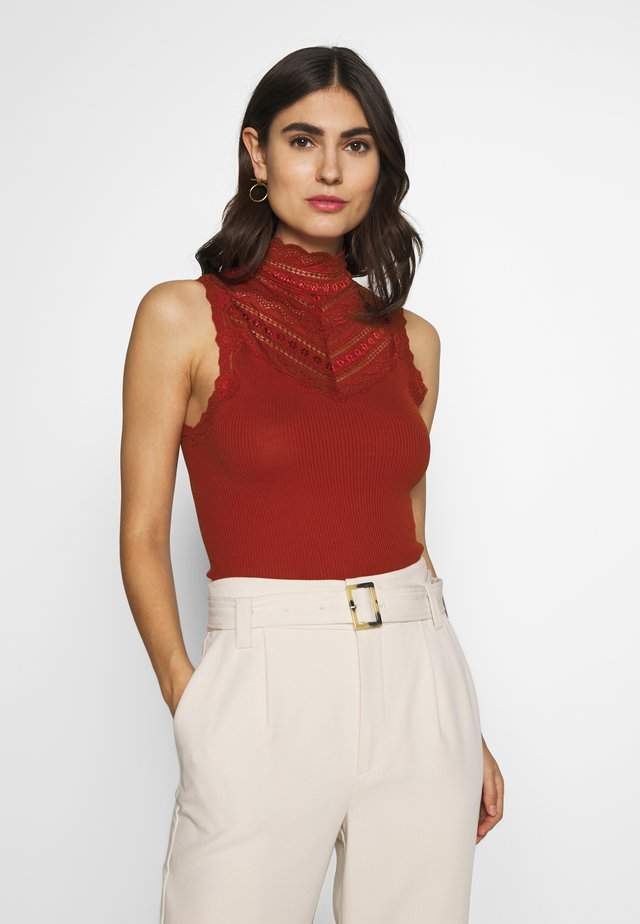 SILK-MIX TOP REGULAR W/WIDE LACE - Top - red ochre
