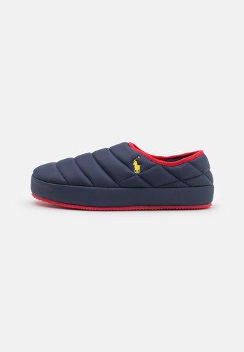 MAXSON - Slippers - navy/yellow