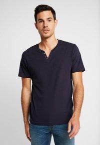 CELIO - NEBET - Basic T-shirt - navy blue - 0