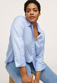 Mango - Button-down blouse - hemelsblauw - 4