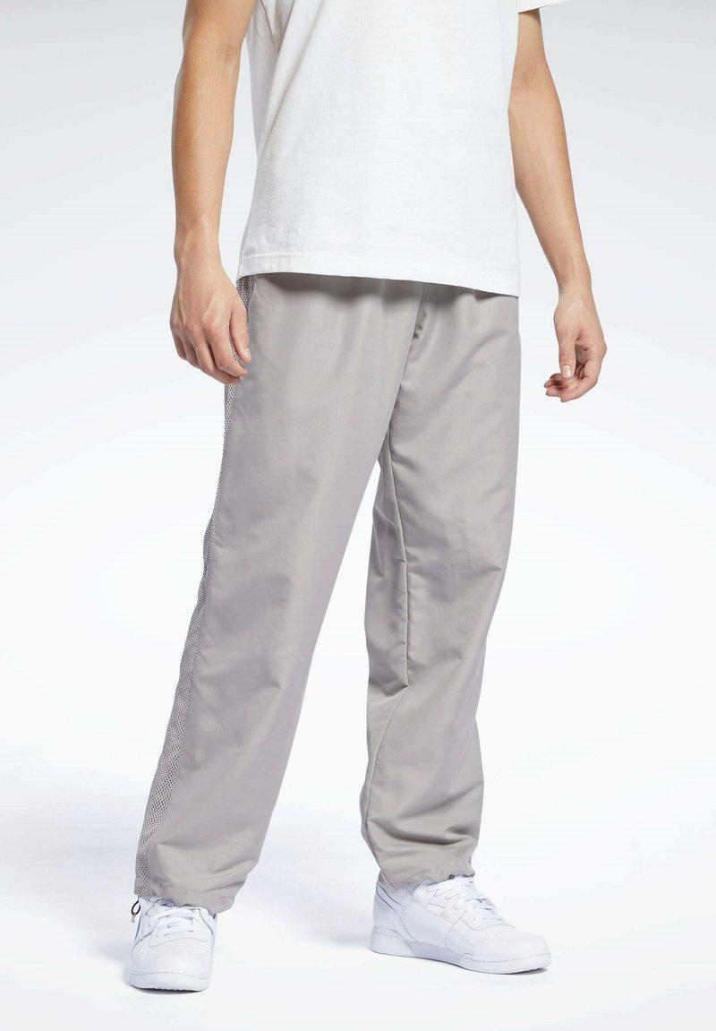 Reebok Classic - CLASSICS TRACKSUIT BOTTOMS - Pantalon de survêtement - grey