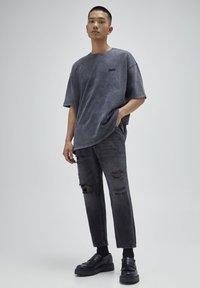 PULL&BEAR - Relaxed fit -farkut - mottled dark grey - 1