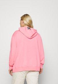 Nike Sportswear - Hoodie - sunset pulse/black - 2