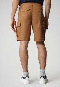 Napapijri - N-ICE CARGO - Shorts - chipmunk beige - 1