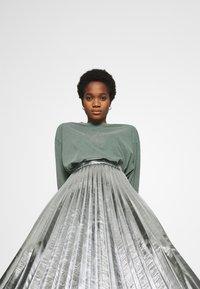 Topshop - METALLIC  MIDI - A-line skirt - silver - 3