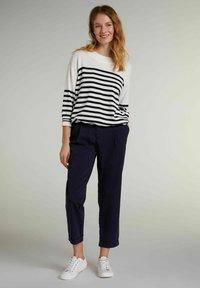 Oui - Sweatshirt - white blue - 1
