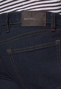 Michael Kors - KENT - Slim fit jeans - rinse - 3