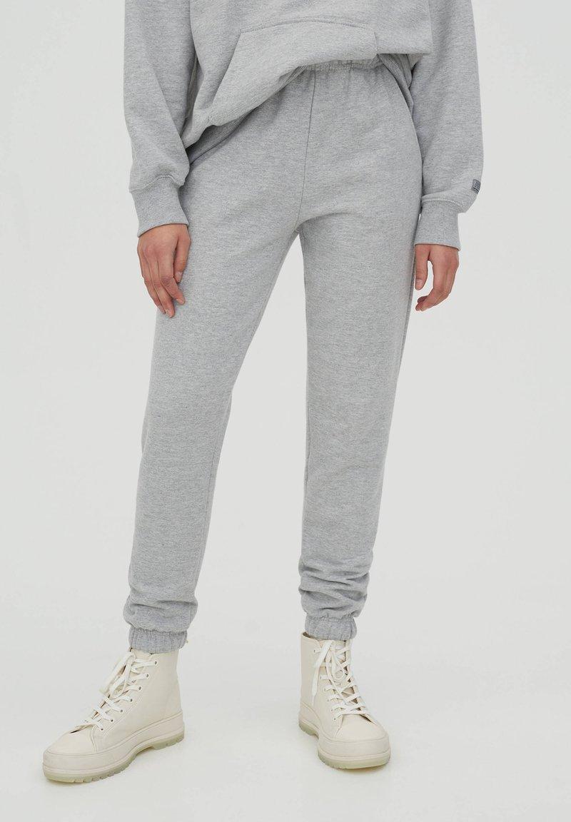 PULL&BEAR - Tracksuit bottoms - grey