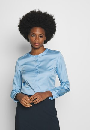 TOUCH BLOUSE - Bluser - soft charming blue