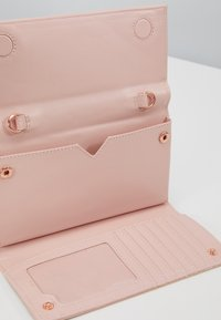 Ted Baker - TELIFI - Clutch - dusky pink - 5