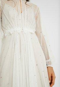YAS - YASMAUDE THROW OVER - Suknia balowa - star white - 5