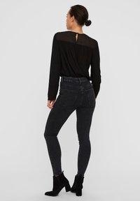 Vero Moda - VMSOPHIA  - Jeans Skinny - dark grey denim - 2