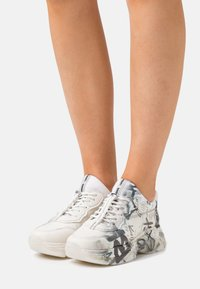 Bronx - BAISLEY - Trainers - offwhite/light grey - 0