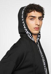 Just Cavalli - FELPA CON ZIP - Zip-up hoodie - black - 3