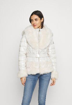 Zimní bunda - cream
