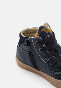 Geox - KILWI BOY - High-top trainers - navy - 5