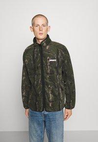 Carhartt WIP - BEAUFORT JACKET - Fleece jacket - tree green/grey - 0