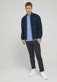 TOM TAILOR DENIM - GEMUSTERTES - Shirt - light blue dot clipper - 1