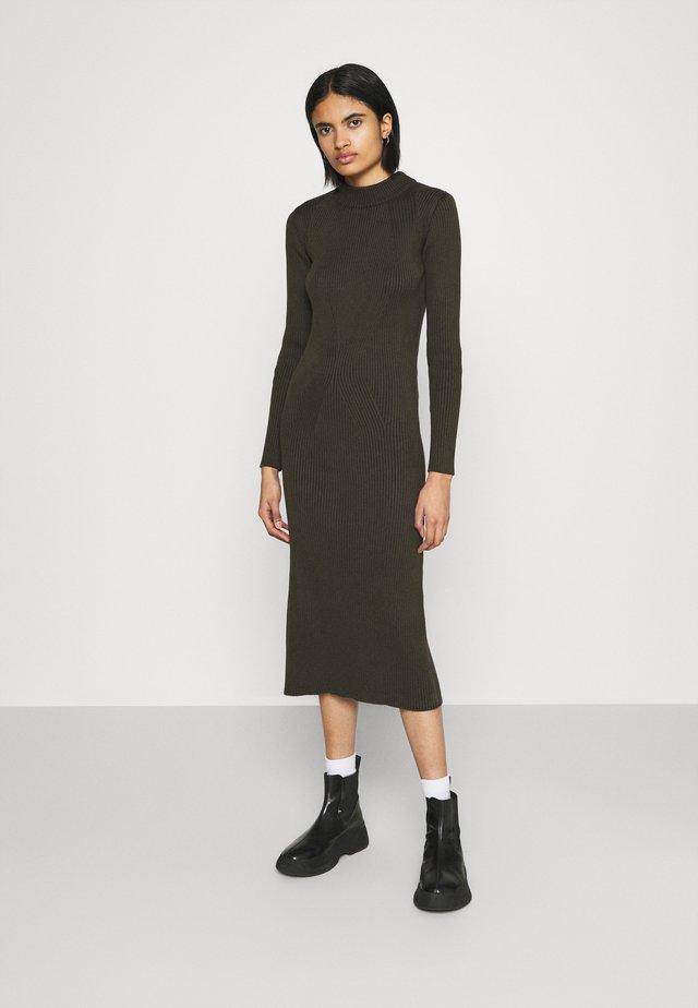 PLATED LYNN DRESS MOCK - Sukienka etui - algae