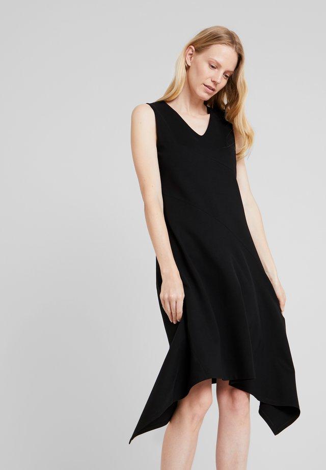 DRESS - Robe en jersey - pure black