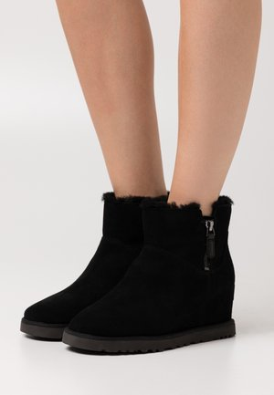 CLASSIC FEMME ZIP MINI - Ankle boot - black
